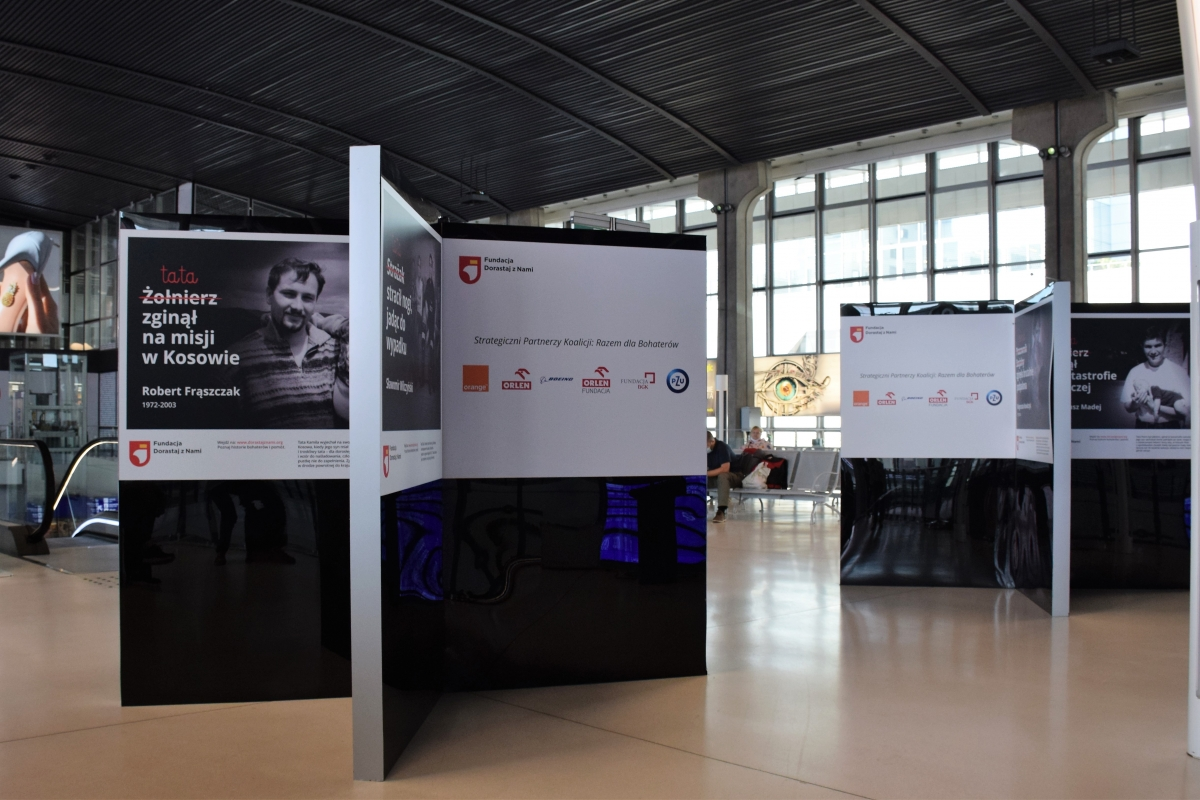 Wystawa na Dworcu Centralnym im. Stanisława Moniuszki w Warszawie
